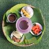 ต้อนรับด้วยอาหารว่าง ข้าวเหนียวมะม่วงอร่อยมาก มะละกอหวานธรรมชาติ เด็ดสุดน้ำปลาหว