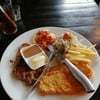 รสชาติสเต็กอร่อยมาก โดยเฉพาะสเต็กปลา น้ำสลัดรสชาติดีมาก ราคาไม่แพง