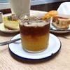 เป็นกาแฟ + ไซรัป(?)กลิ่นส้ม+โซดา อร่อยสดชื่นน เข้ากันอย่างไม่น่าเชื่อ