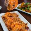 กุ้งสดๆผัดคลุกเคล้าพริกแห้งรสชาติเผ็ด จัดว่าเป็นจานเด็ดอีกหนึ่งเมนูของร้าน