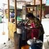 ร้านก๋วยเตี๋ยวหลังตลาดติดแม่น้ำท่าจีน