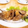 ปลาทิลทอดกระเทียมพริกไทย