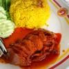 เนื้อแดงนุ่มกลมกล่อม กินกะข้าวหมกแล้วมันไม่เลี่ยนจนเกินไป ไม่จืดเกินไป จานละ40฿