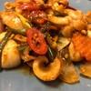 ปลาหมึกสดดี ผัดกับน้ำพริกเผามีความหอมรสชาติถึงใจจริงๆ