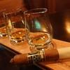 ใครที่ไม่เคยสูบ cigar แต่อยากลอง ทางร้านมีพนักงานคอยให้คำแนะนำ หรือถ้ามีพื้นฐ