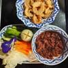 น้ำพริกตู้กับข้าว ผักสด