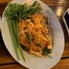 ผัดไทผักหวานกุ้งสด