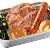 สเต๊กสันคอหมู + ไส้กรอกหมูคูโรบูตะ ผักโขมและมันบด