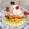 เมนูขนมหวานsignature ขนมปังเนื้อนุ่มหอมเนยทานคู่กับผลไม้สด ไอศกรีมโฮมเมตแสนอร่อย