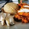 ไก่ต้ม เนื้อเป็นก้อนๆ ทานกับน้ำจิ้ม อร่อยมาก ส่วนไก่ทอด ไม่อมน้ำมันเลย กรอบ ข้าว