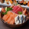 """เซตซาชิมิที่ให้มาแบบเยอะ ๆ ยั่ว ๆ สดฉ่ำ """"ปลาดิบรวม"""" (199 บาท) คุ้มค่า!"""
