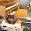 ชีสเค้กเนื้อหอมมัน ละเอียด ละลายในบาก กินกับราวนี่คือฟิน