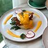 ความดีงามคือ มัฟฟินข้างล่าง อร่อย นุ่ม ลงตัวกับ egg benedict มาก
