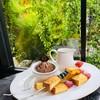 barbecue toast คือ ขนมปังปิ้งราดซอสช้อคโกแลตพร้อมไอศกรีมช้อคโกแลตให้ความหอมเวลาท