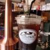 หากคุณกำลังมองหาร้านกาแฟที่ให้บรรยากาศสบายๆ แนะนำร้านนี้เลยครับ การตกแต่งภายใน