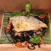 สปาเก็ตตี้ปลาทูเส้นหมึกดำผัดพริกแห้งกระเทียม จัดจ้านสุดๆ Delivery ก็ได้