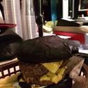 เบอร์เกอร์เนื้อขั้นเมพ!! (black bun)