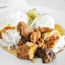 ขนมจีนน้ำเงี้ยว กระดูกหมูและเนื้อๆ ไม่ใช่โครงไก่นา