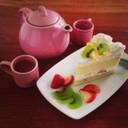 เค้กผลไม้ครีมสด เค้กเนื้อนุ่มๆ กับชาร้อนค่ะ ^^