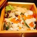 Kani Chirashi sushi สวย แล้วก็อร่อยมาก