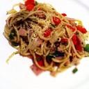 """Chef Recommend """"สปาเก็ตตี้ Napolitana แต่ซอสเปลี่ยนเป็น ซอสโหระพา รสชาติกลมกล่อม"""