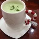 ชาเขียวนมร้อนแสนอร่อย