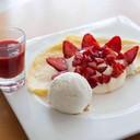 Strawberry Vanilla Crepe
