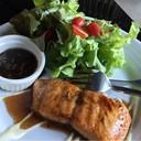 สเต็กปลาซามอล กะสลัดผักบาซัมมิ. 2คำเดียว สุขภาพ อร่อย