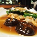 หอยเชลล์ผัดผักฮ่องกง