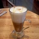 Hot Honey Café Latte ชั้นฟองนมทั้งหนาทั้งแน่น