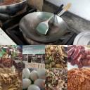 2015-08-27: รายการอาหารข้าวแกง มุมล่างขวา น้ำเงี้ยว / บน กระทะทอดไข่ดาว ไข่เจียว