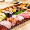อลังการสุดกับ Waza Sushi เป็นซูชิเกรดสูง10คำ มากิ และไข่หวาน ทุกอย่างพรีเมียมมาก