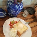 Honey Strawbeery cream toast (149.-)