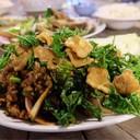 ลาบปลากรอบ พึ่งเคยทานลาบแบบชาวเหนือ คือไม่มีข้าวคั่ว รสชาติดีเลยค่ะ หมูกรอบก็ดี
