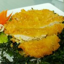 ไก่ทอดซอสมะนาวที่ทอดเหมือนหมูทอดตงคัสซึ ทอดแห้งๆ ไม่มัน เลมอนอร่อย กระเพราะกรอบ