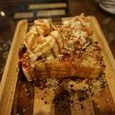 ขนมปังนุ่มสุดด เลือกหน้าไอศกรีม และซอสราดได้