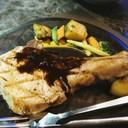 พอร์คชอปซอสพริกไทยดำ เป็นหมูคุโรบูตะย่างมานุ่มดี