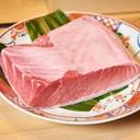 เนื้อทูน่าส่วนท้องที่มีไขมันเยอะเป็นพิเศษยิ่งมาจากร้านYoshitomiความฟินยิ่งทวีคูณ