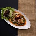 อร่อย มีถัวพู กุ้ง ปลาหมึก รสชาติเหมือนต้มยำ อร่อยใช้ได้  ราคา 125 บาท