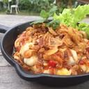 ยำหอยนางรมรสชาติไทยๆโรยด้วยหอมเจียวหอมๆฟินนนน