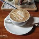 สำหรับสาวที่ชอบทานคาราเมลอย่างเราถือว่าร้านนี้ก็ใช้ได้ กาแฟไม่ได้หอมมาก ได้รสชาต