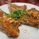 ปลาลิ้นหมาทอดกรอบ หากินร้านอื่นไม่มี เนื้อปลากรอบมันกินได้ทั้งตัว