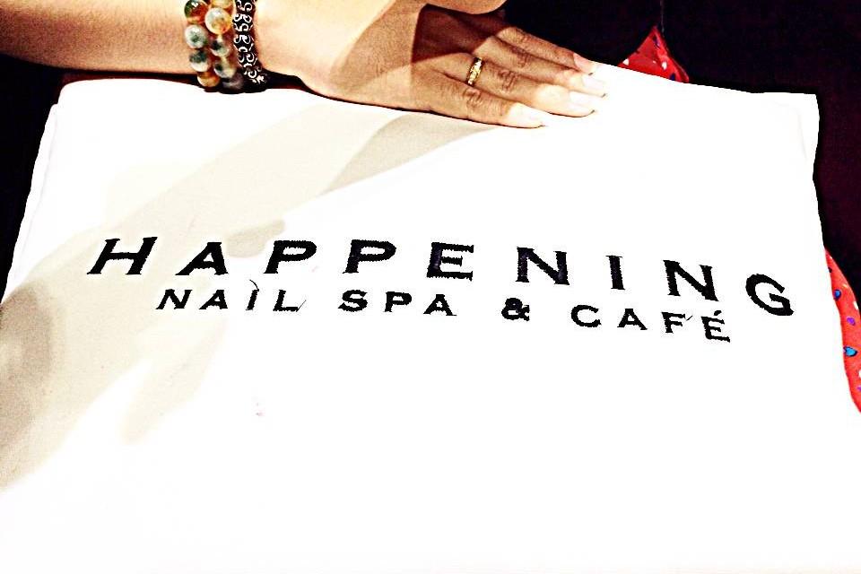 Happening Nail Spa & Cafe