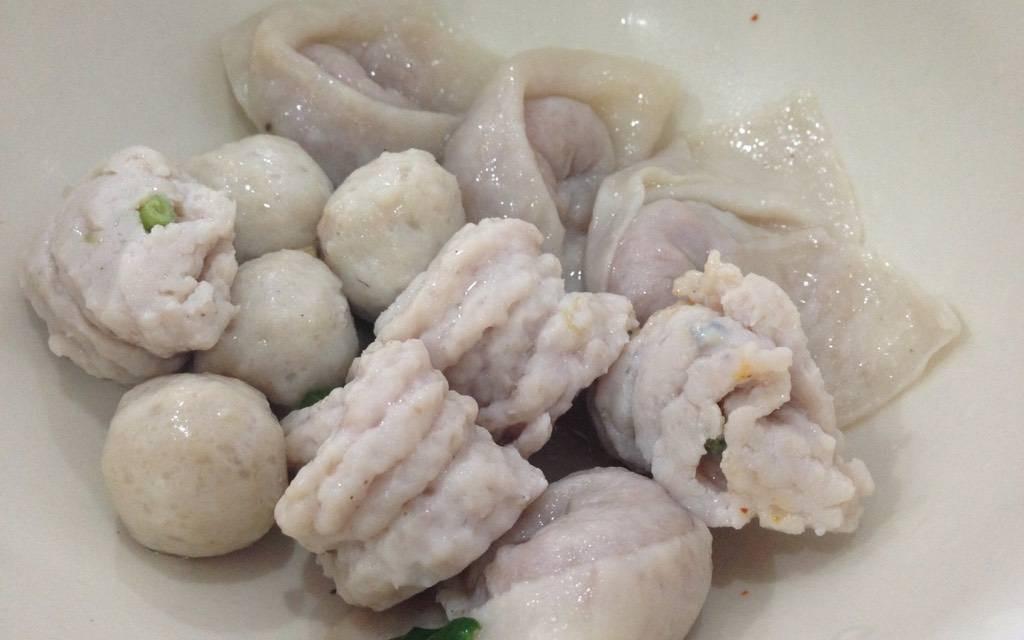 เย็นตาโฟ-เกี๊ยวปลา เจ๊กิม