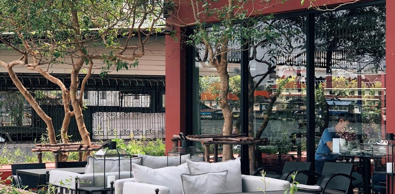 NYE Caféstaurant