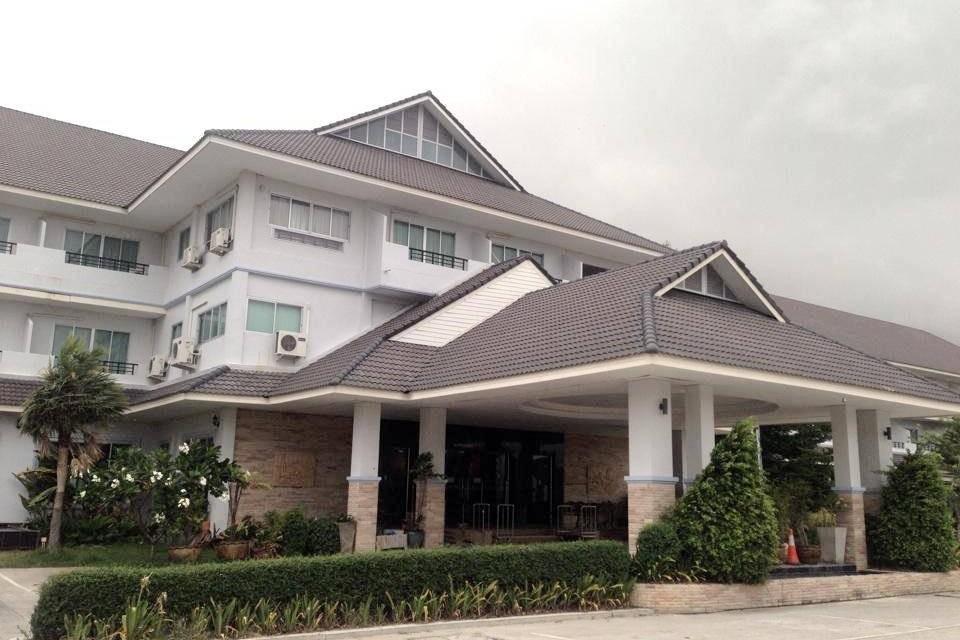 โรงแรมธนินทรกรีนปาร์ค