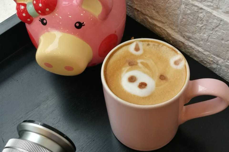 2 Little Pigs, Dessert and Coffee