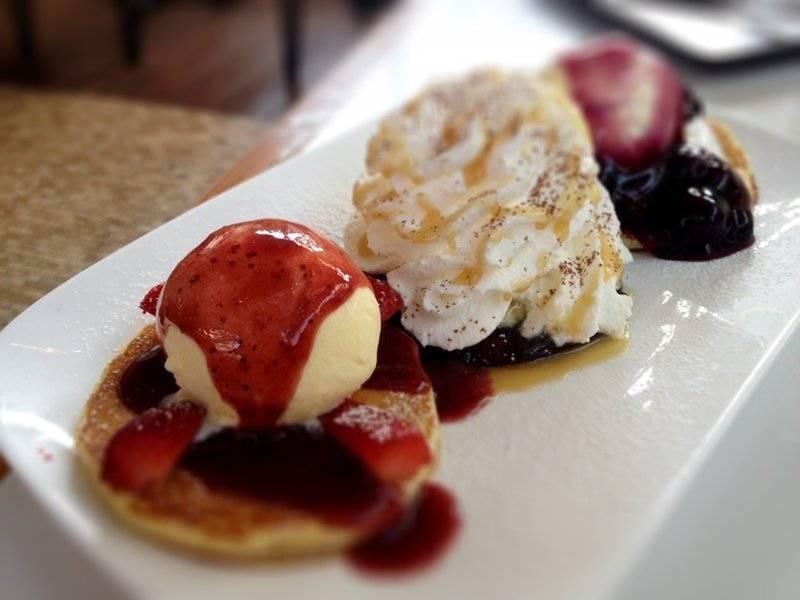Pancake Paradise, 3 mini size pancakes