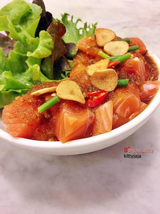 อาหารญี่ปุ่นฟิวชั่น ร้านสวย อาหารอร่อย เก๋อ๊าาาา @ On The Table เซ็นทรัลพลาซ่า พระราม 9 on wongnai.com