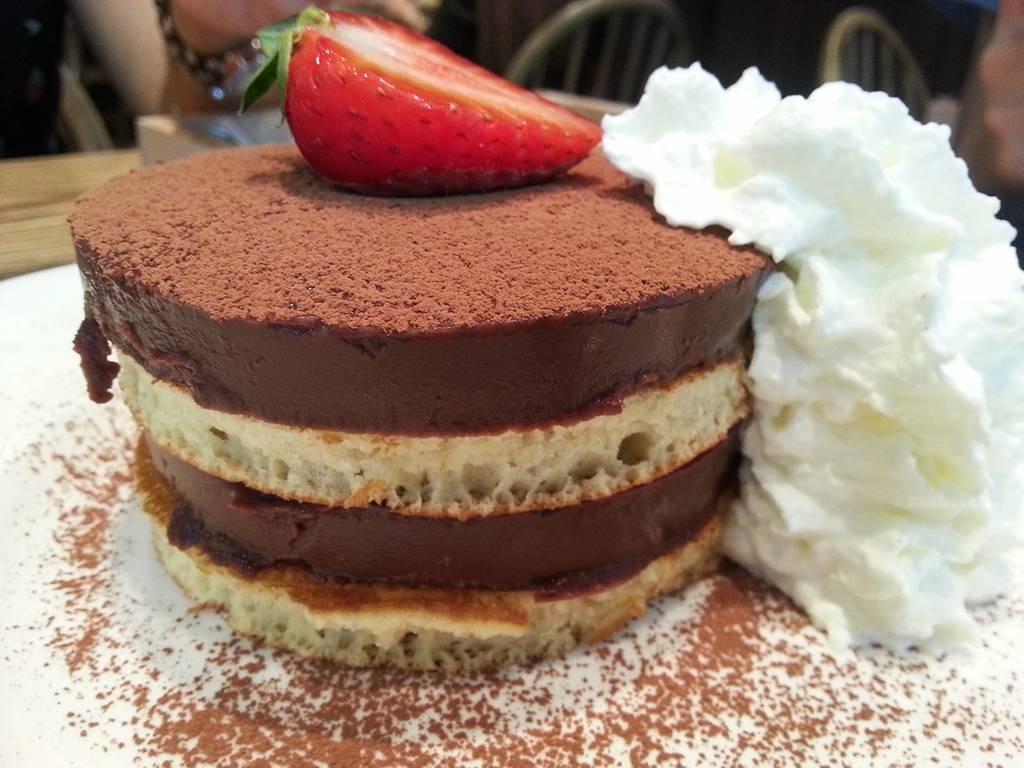 Chocolate Fudge Pancake (155 บาท) คืออร๊อยยย อร่อย